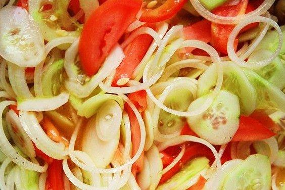 Receta de ensalada de pepino con tomate