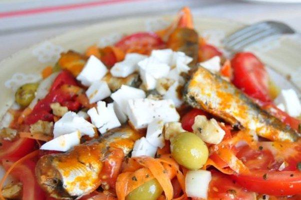 Ensalada de sardinas receta - Como cocinar sardinas ...