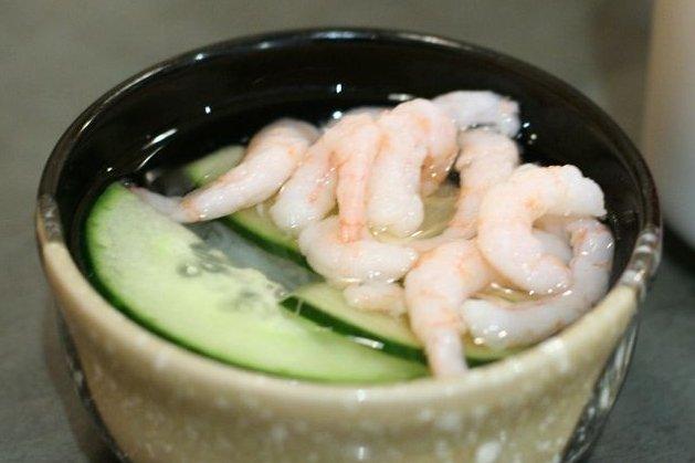 Receta de ensalada oriental de pepino y gambas