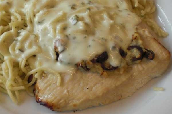 Filetes de pavo en salsa de queso receta - Filetes de carne en salsa ...
