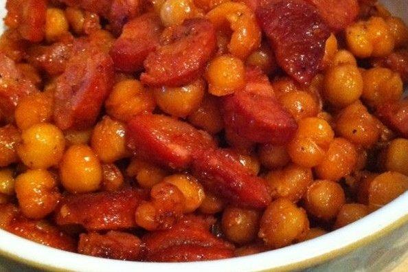 Garbanzos con chorizo y tomate receta for Cocinar garbanzos con chorizo
