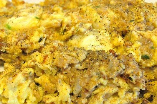 Receta de huevos revueltos con carne