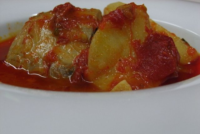 Receta de marmitako de bonito y patatas