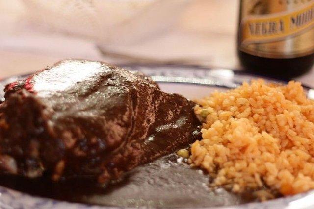 Receta de mole con arroz a la mexicana