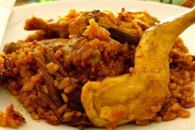 Receta de paella de arroz con conejo