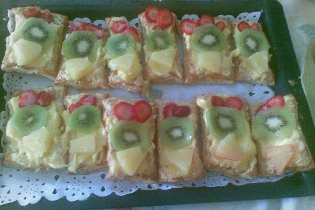 Receta de pastelitos de hojaldre con frutas y crema pastelera