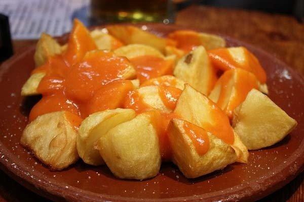 Receta de patatas fritas bravas