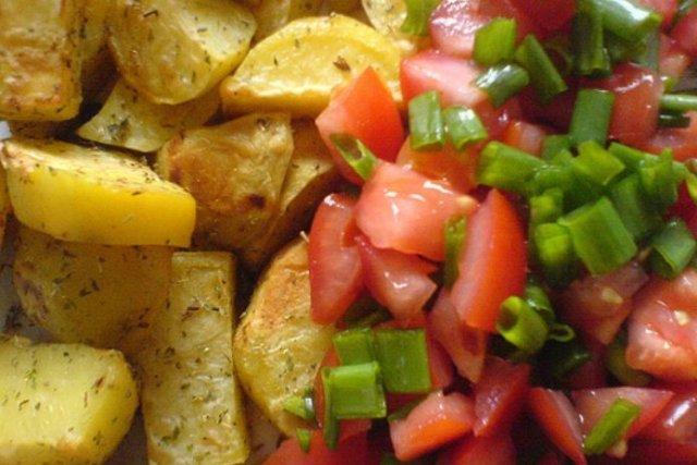 Receta de patatas fritas con tomate