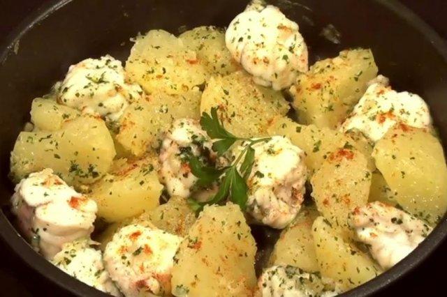 Receta de rape con patatas al ajillo