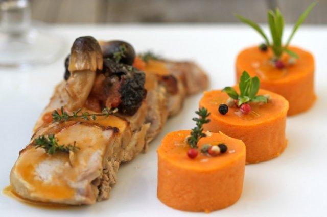 Solomillo de cerdo y pur de patata al piment n receta - Como preparar un solomillo de cerdo al horno ...