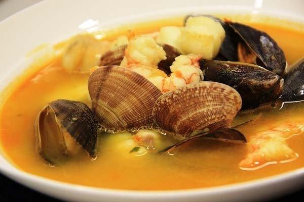 Receta de sopa con pescado y marisco