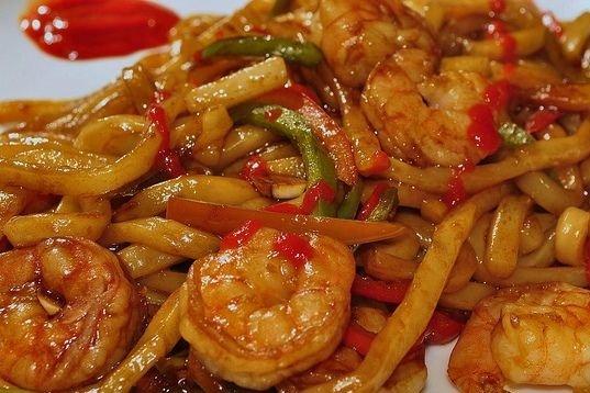 Receta de tallarines en salsa con gambas